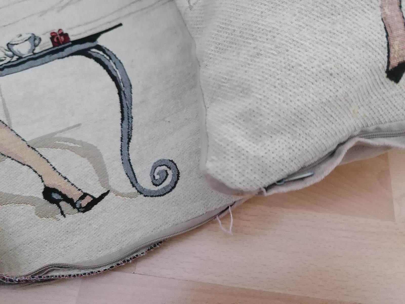 Dva ks dekoratívne obliečky na vankúš 45krat45cm - Obrázok č. 3