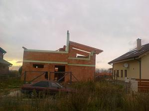 10.11.2010 Robia nám strechu.