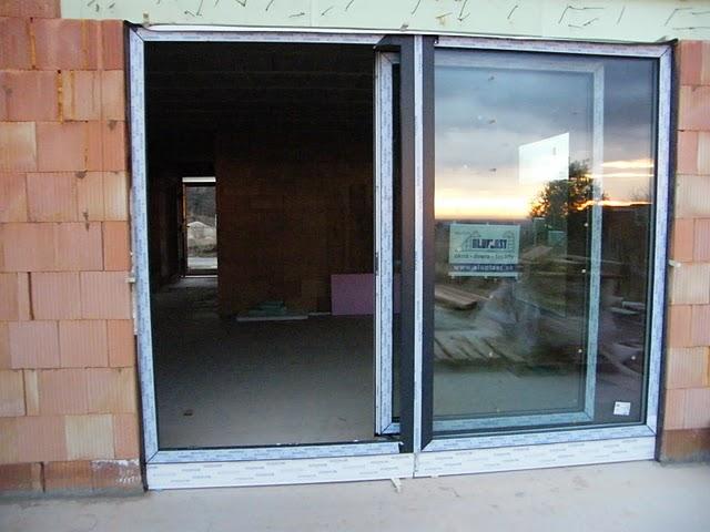 Nový domov - dvere z terasy  do obyvky