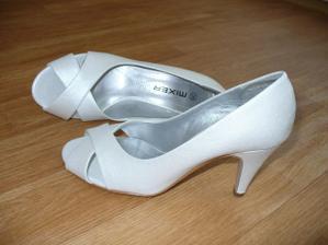 Koupené botičky - budou tyto :-)
