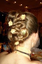 ..a toto je varianta z plesu. Moznosti je ozaj vela, ale asi budem mat nejako vypnute vlasy.