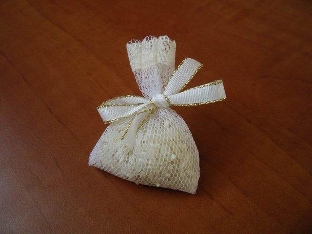 Kyticky a ine - ryža - zbytočnosť, ale nekúp to :o))