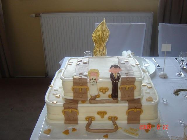 Čo už máme pripravené, vybavené :-) - tato torticka bude + este jedna od maminky ako prekvapko