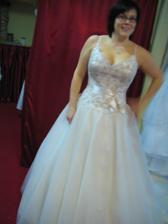 tyhle šaty se líbili paní asistentce...je fakt, že jsem v nich neměla břicho:-)