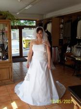 ...dva měsíce před svatbou...nejsem ale učesaná