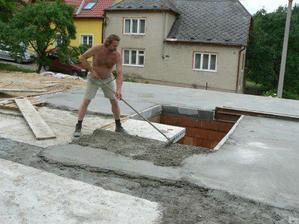 """6.7. ... opět betonujeme aneb druhá """"základová deska"""" :o)"""