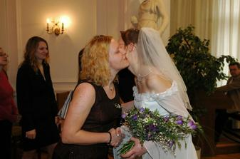 Zuzka a Eva gratulují