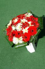 svadobná kytička na hrob