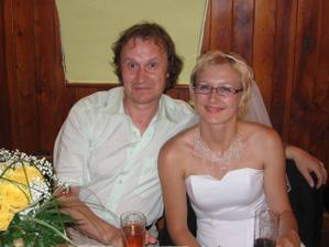 Já s tatínkem ženicha.