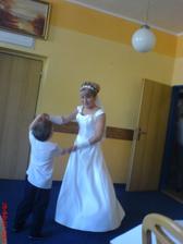 taneček s vyvdaným synáčkem