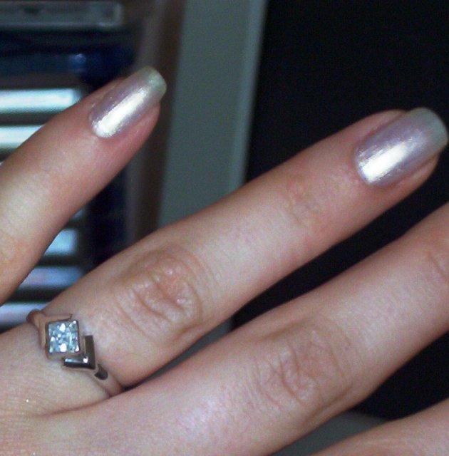 Veronika a Marek - môj snubný prstienok, je krásny :O)