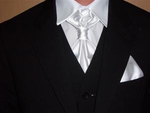 no a tu je detail na franc. kravatu a košeľu, :O)