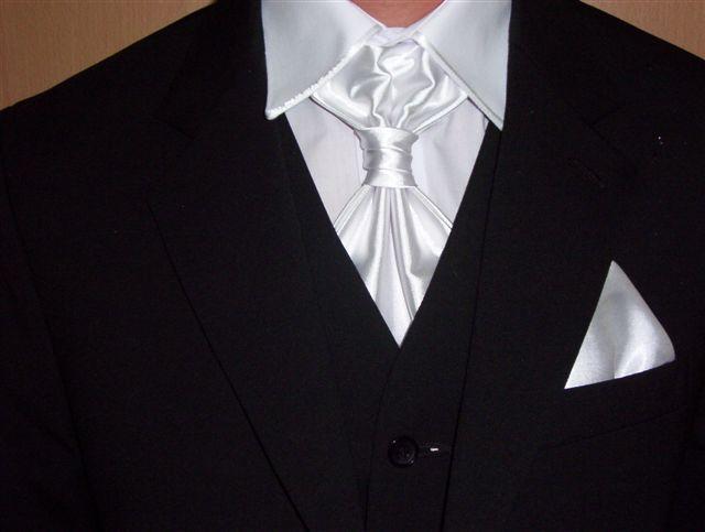 Veronika a Marek - no a tu je detail na franc. kravatu a košeľu, :O)