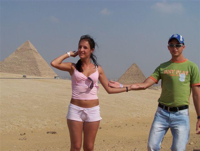 Veronika Totková{{_AND_}}Marek Fajnor - pyramídy