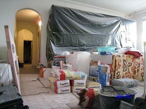 naša obývačka bola skladiskom materiálu...