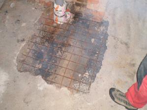 vyztužení podlahy pod komínem