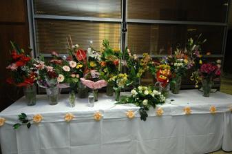 dakujeme vsetkym za kvetinky...