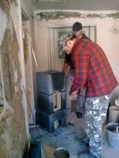...staviame novy komin,z druhej strany bude krb...