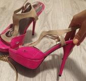 Ružové sandále, 38