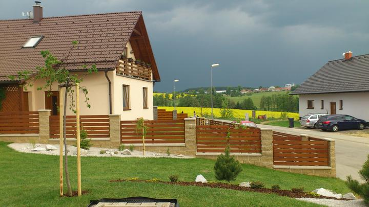 Zahrada - Asi bude pršet...