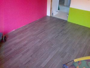 a položena komplet podlaha