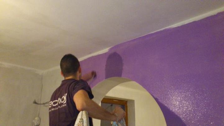 Bungalov 100 - interiér - Začíname malovať.