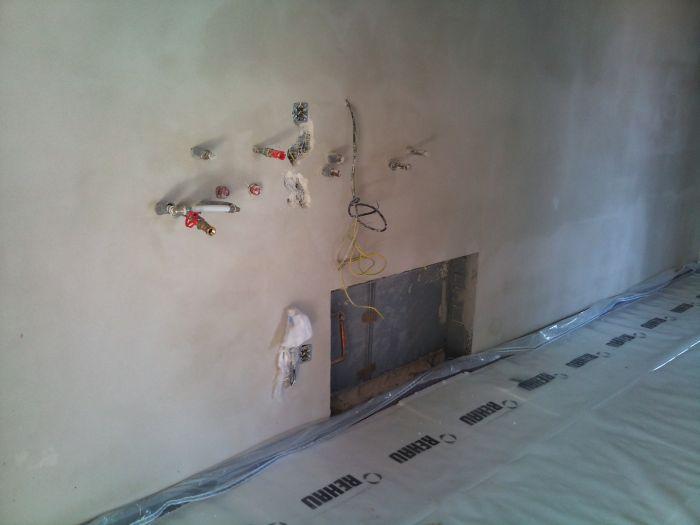 Bungalov 100 - interiér - Sem dojde kotol, bojler a rozdelovač.
