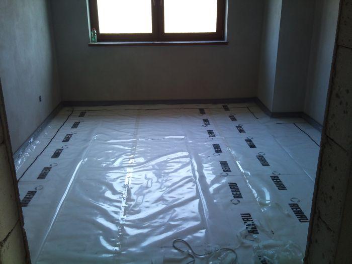 Bungalov 100 - interiér - Ďalšia izba hotová.