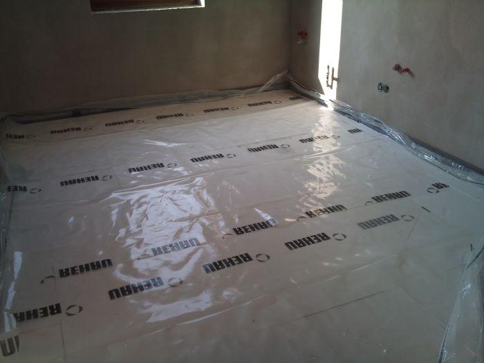Bungalov 100 - interiér - Kuchyna skoro hotvá.