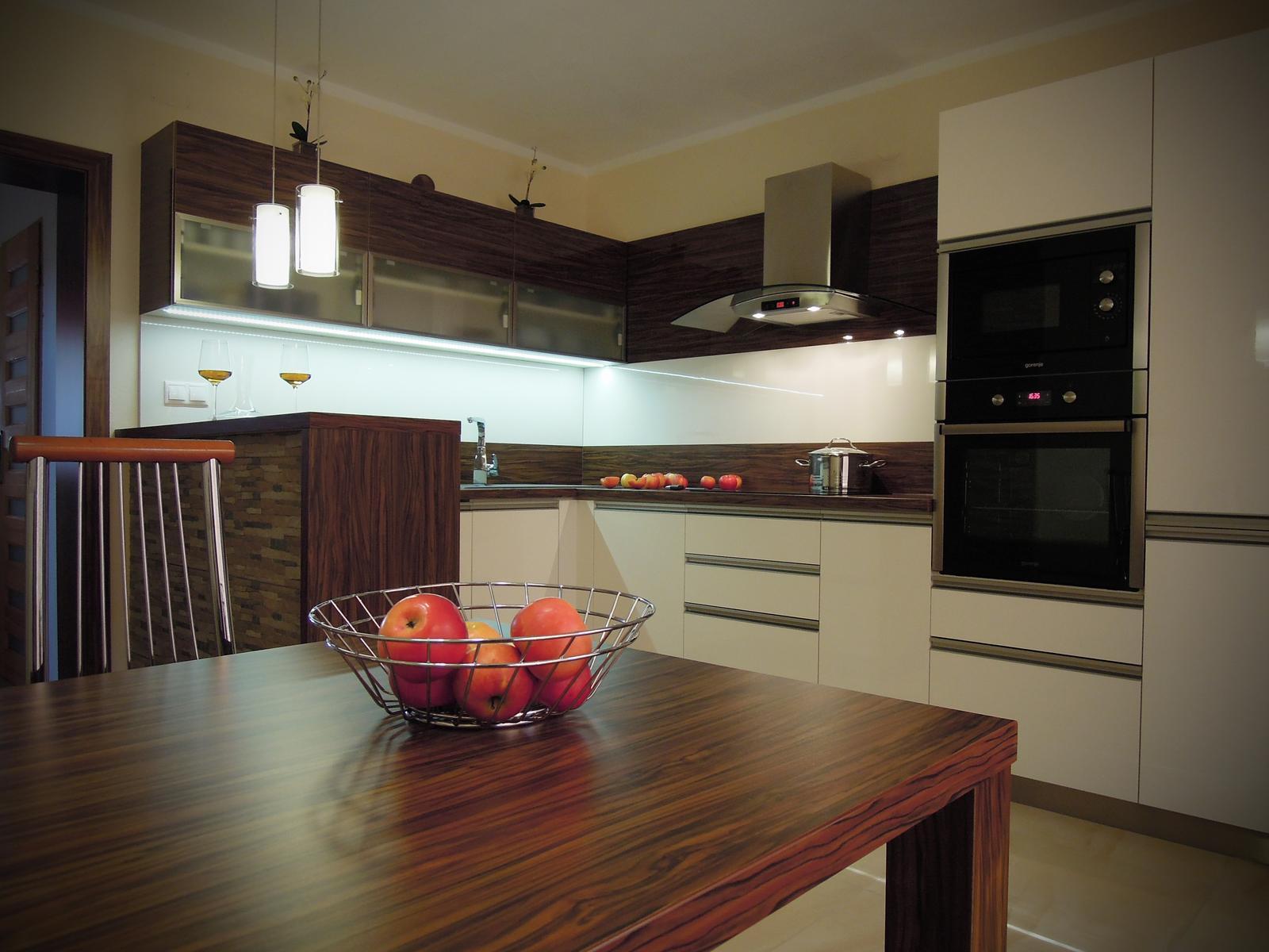 Návrh a realizácia kuchyne Veľké Vozokany - Realizácia - hotová kuchyňa