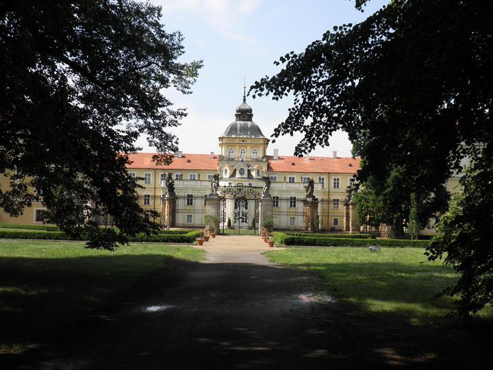Srpnová svatba - zámek v reálu :-)