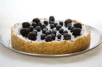 borůvkový cheesecake, přemýšlím o něčem lehkém ovocném :-)