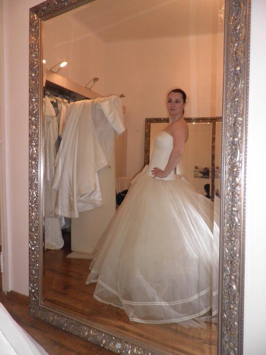 Srpnová svatba - ale nebudou :-( 14 dní před svatbou byli totálně jiné, neupravené :-( obrečela jsem to