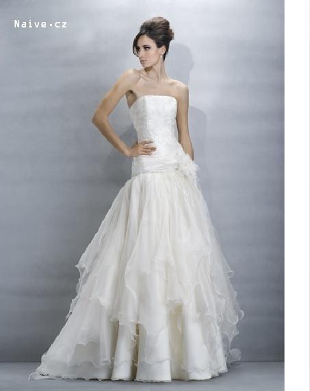 Srpnová svatba - nakonec jsem měla tyto šaty a naprostá spokojenost :-)