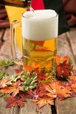 podzimní výzdoba má taky něco do sebe a pivo k fotbalu taky patří :-)