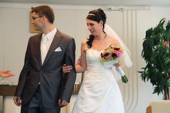 gratulace byli nekonečný..manžel měl rtěnky snad všude :-)