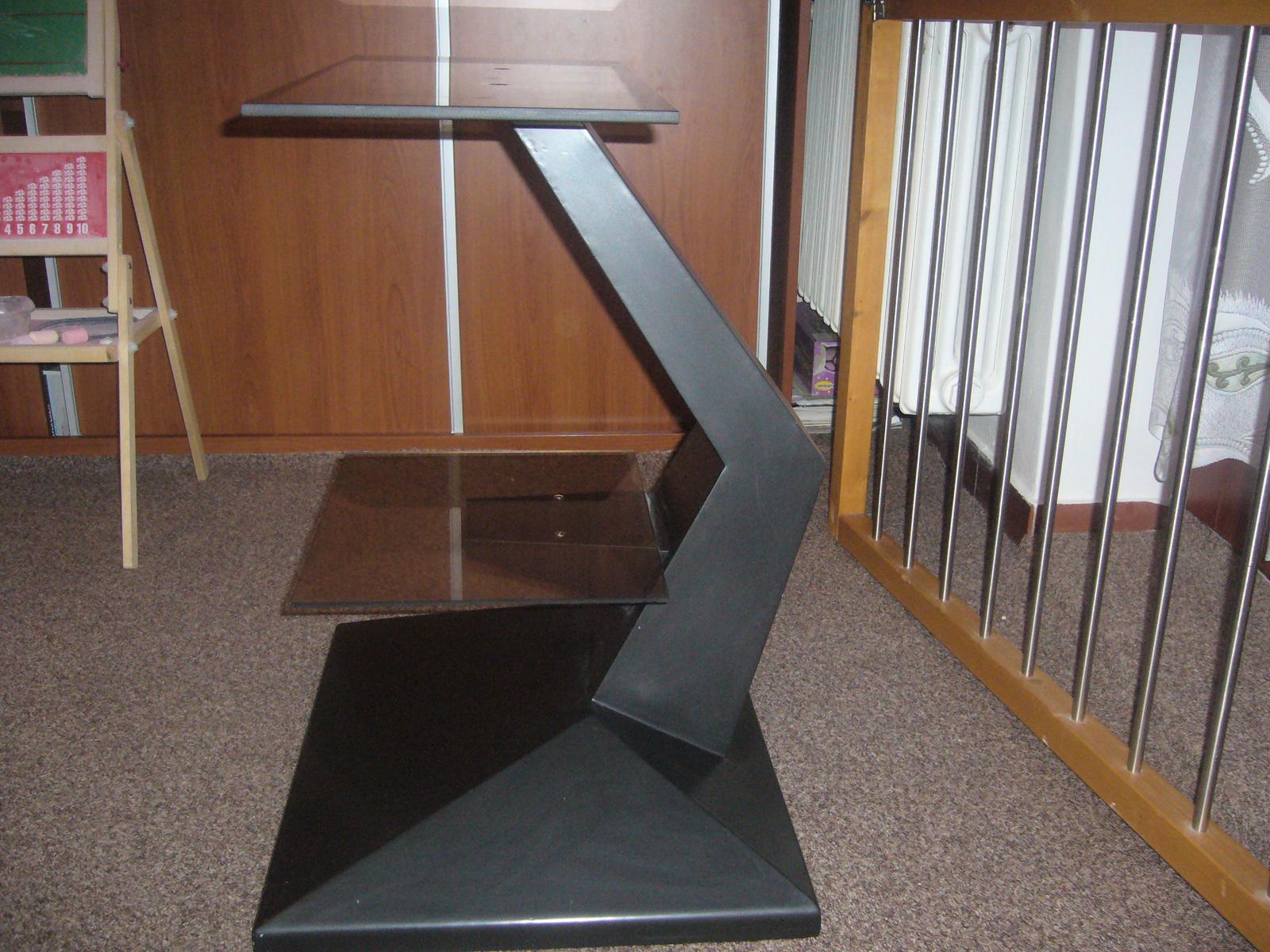 stolik pod televizor - Obrázok č. 1