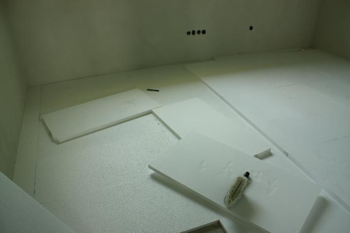 Optimal 1039, Interiér - Pokládka EPS na poschodí