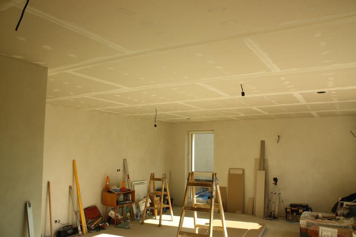 Optimal 1039, Interiér - Sadrokartón v obývačke.