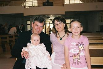 Budúca družička Valentínka a my traja- Valentínka je moje krstniatko, sestrina dcéra.