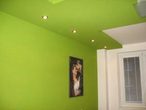 v kazdej izbe sme malovali iba jednu stenu a stropy