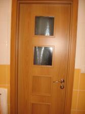 dvere v kupelni