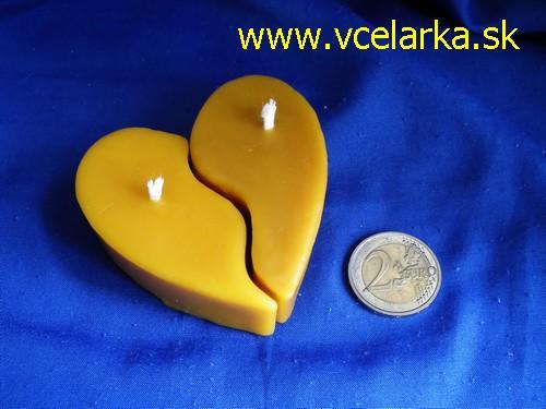 Slnečná žlto-medová :) - z vcelieho vosku ktovie ci by sa mi nieco take podarilo :)