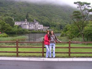 Ja a moja laska  pri zamku v Killarnej
