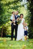 Empirove svadobné saty, 36
