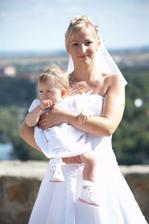 S nejmladším svatebčanem - neteří Miladkou