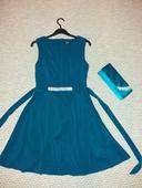 Petrolejové šaty, S
