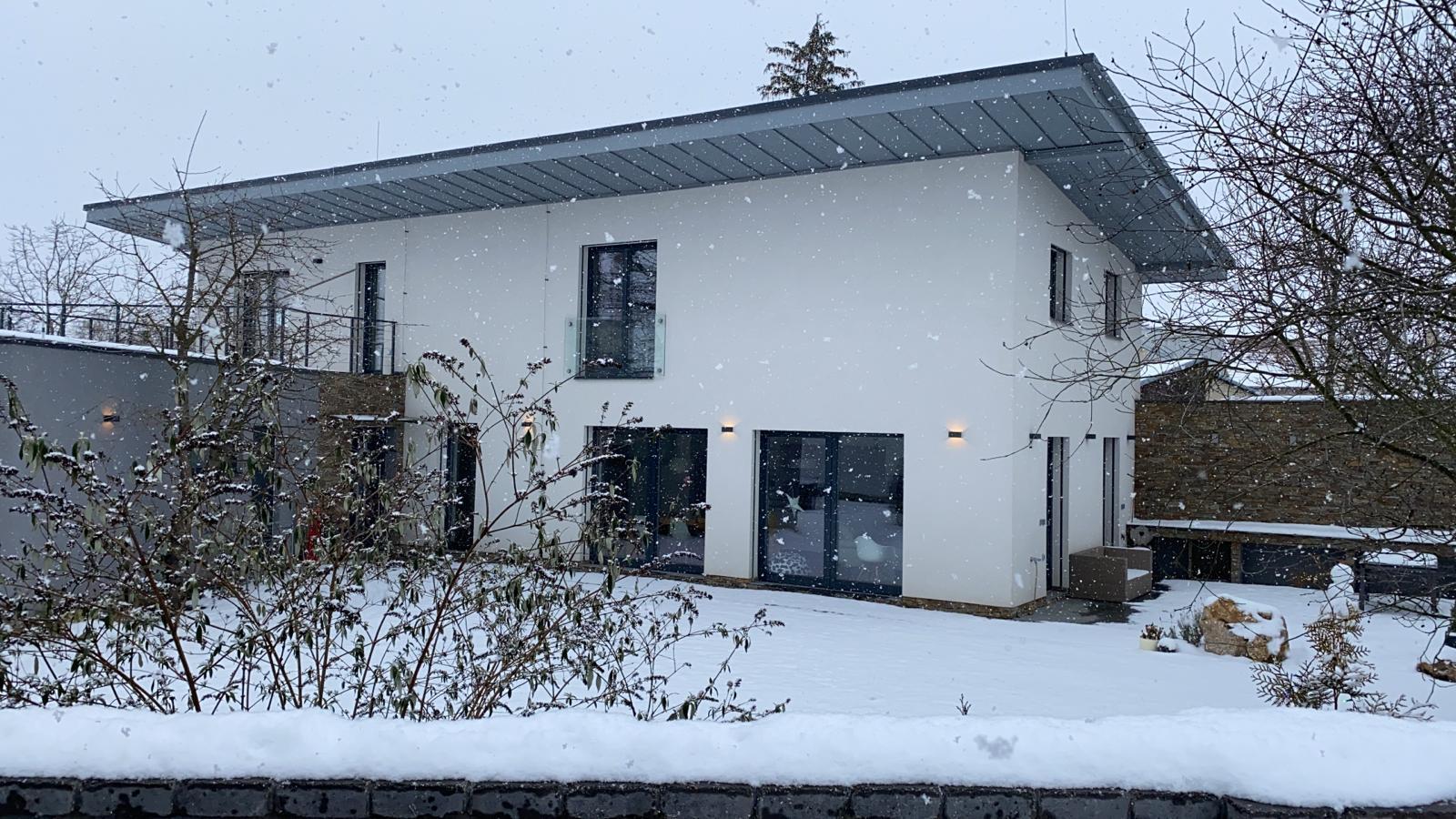 Náš domeček pod sněhem ❄️❄️❄️ - Obrázek č. 1