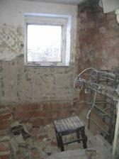 vybouraná koupelna