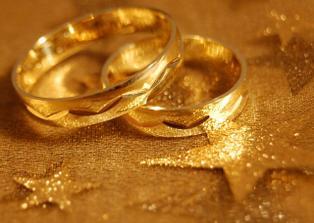 Naše snubní prstýnky..už doma připravené:-)
